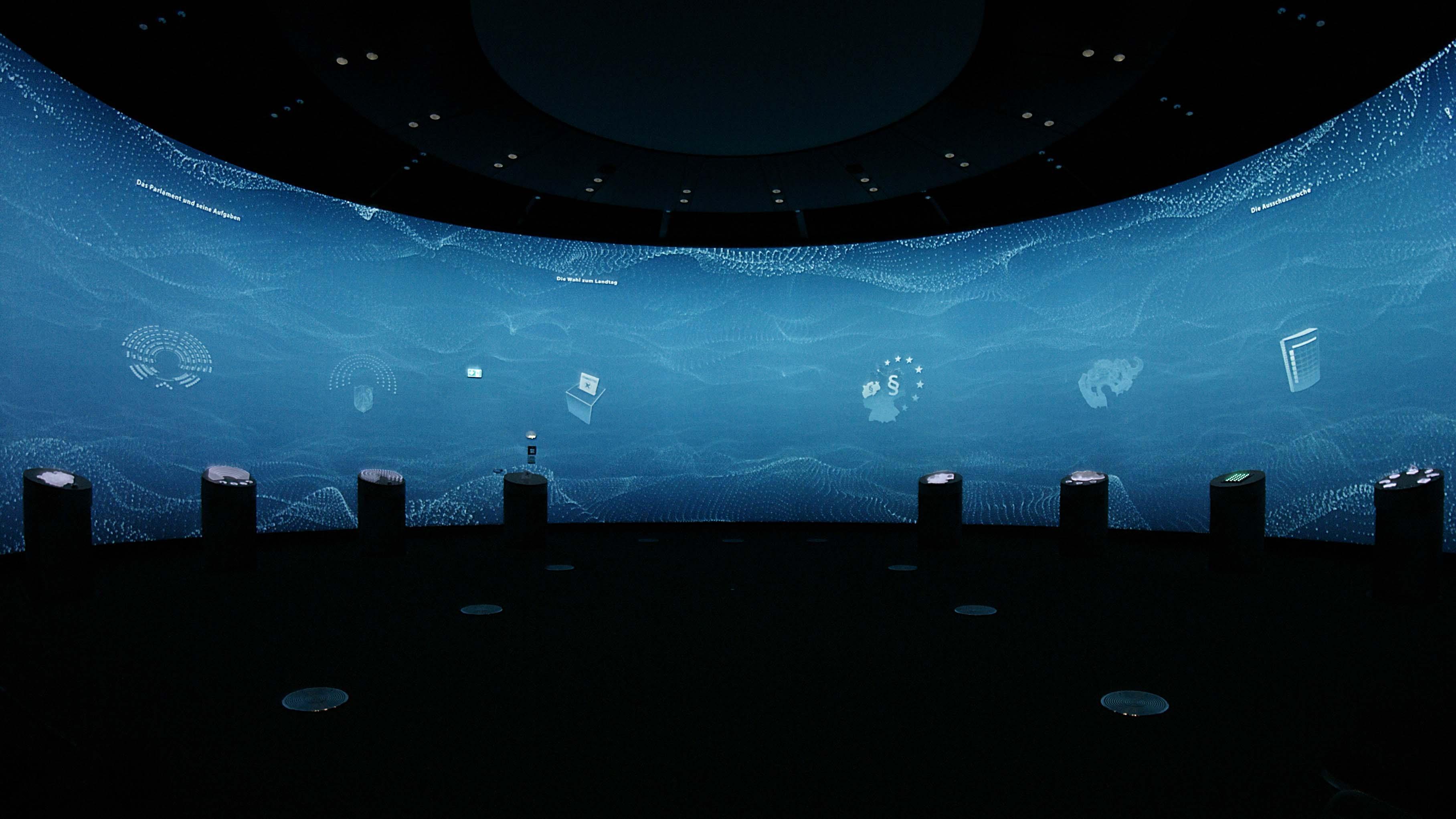 interaktiv, interactive, panorama, projection, media, medien, stations, stationen, 3d sounddesign, panorama film, besucherzentrum, landtag nrw, munich, muenchen, visuarte